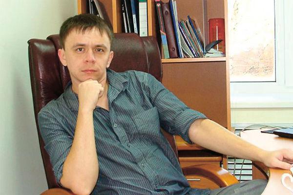 Николай уже похвалился всем друзьям подарком