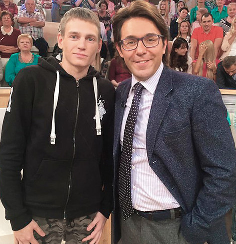 Кирилл Меньшиков сам помог множеству людей