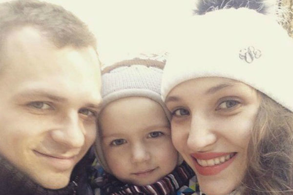 Супруга Алексея старается вдохновлять его на борьбу с болезнью