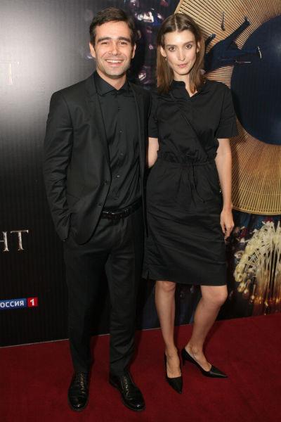 С гражданской супругой Анастасией актер вместе уже около 13 лет