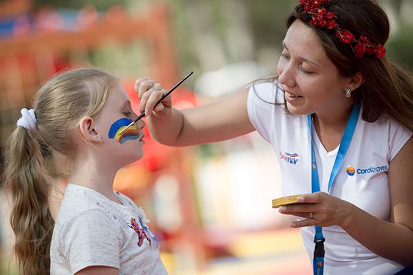 С детьми занимаются российские педагоги
