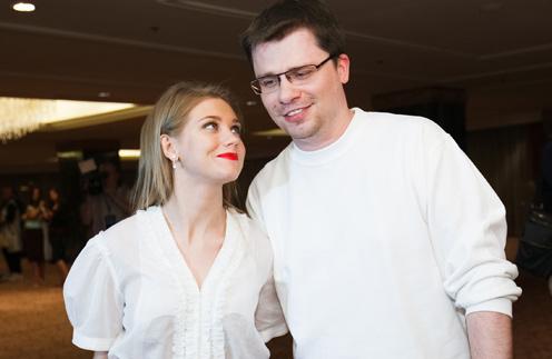 Кристина Асмус и Гарик Харламов готовятсят к свадьбе: осталось только офрмить развод шоумена с первой женой