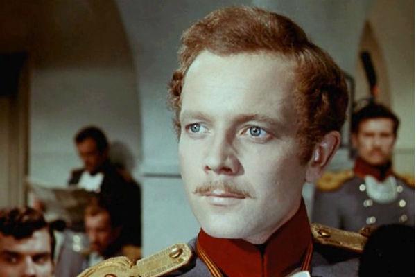 Актер сыграл более двадцати ролей в кино