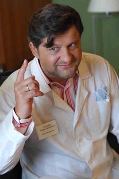Стоматолог Антонов в телепроекте «Папины дочки»