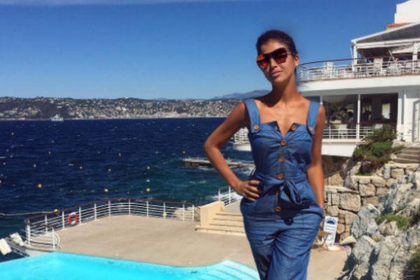 Экс-участница «ВИА Гры» отдыхает во Франции