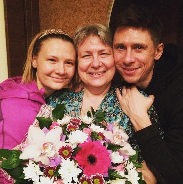 Главные женщины в жизни Тимура Батрутдинова - мама и сестра