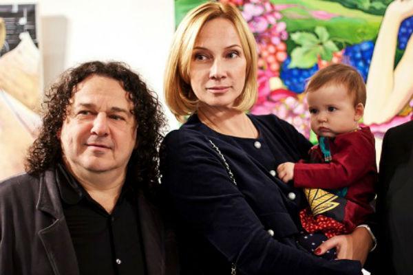 Игорь Саруханов с любимой женщиной и дочерью