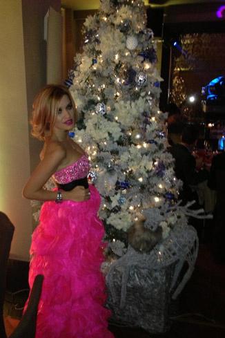 Платье, которое телеведущая заказала в Нью-Йорке, пришло в последний момент