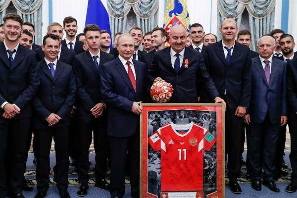 Футболисты в полном составе присутствовали на встрече с президентом