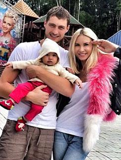 Элина Камирен, Александр Задойнов и их дочка Саша
