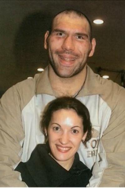 Николай уже 20 лет счастлив в отношениях с супругой Галиной