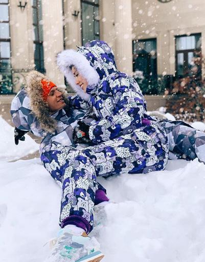 Анастасия Костенко и Дмитрий Тарасов не перестают демонстрировать семейную идиллию