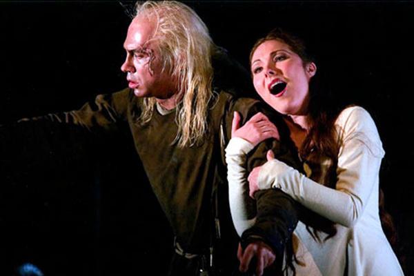 Сюрина и Хворостовский в постановке «Риголетто»