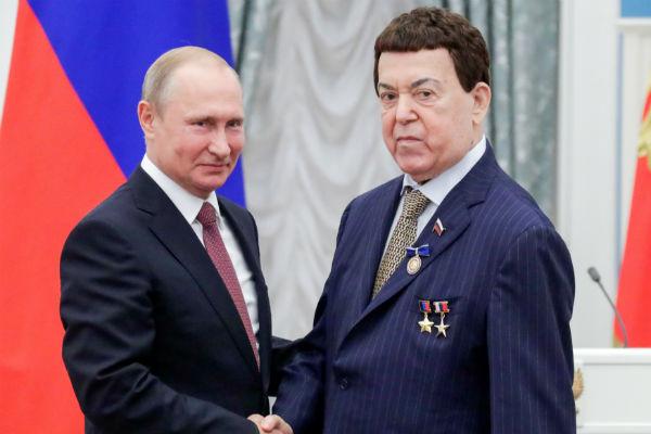 Одну из последних наград Кобзон получил в конце июня из рук Президента России