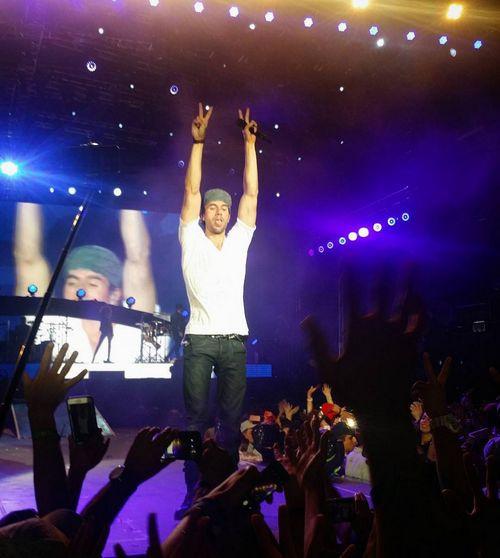 На концерте в Баку Энрике Иглесиас выложился по полной