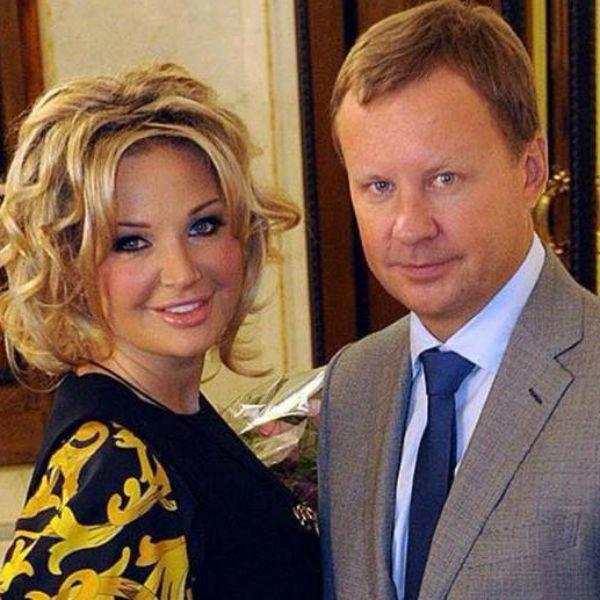 По мнению украинских следователей, заказчиком убийства Вороненкова стал бывший муж Максаковой