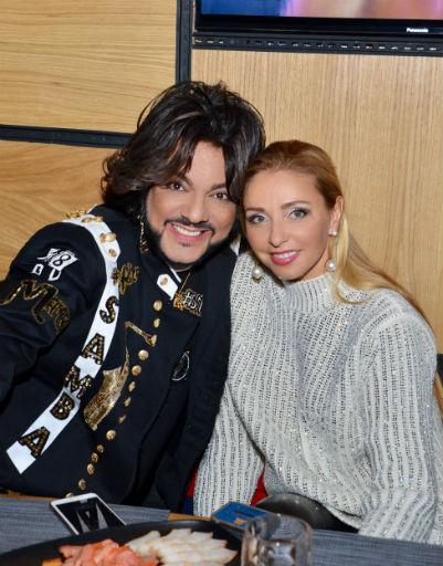 Татьяна Навка поздравила короля поп-сцены с открытием нового заведения