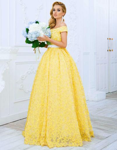 Бородина была в восторге от изящных платьев