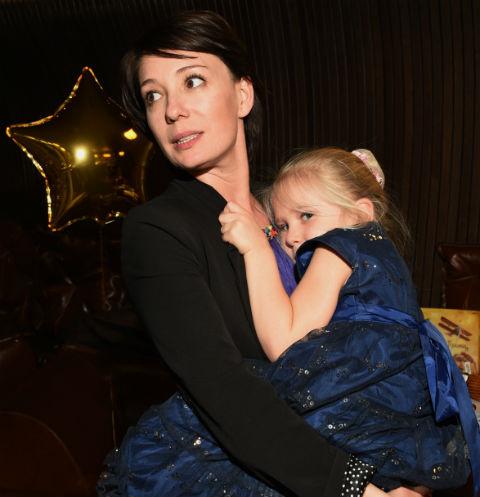 Чулпан Хаматова с дочкой Ией