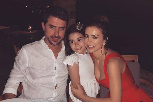 Ани Лорак с мужем и дочкой
