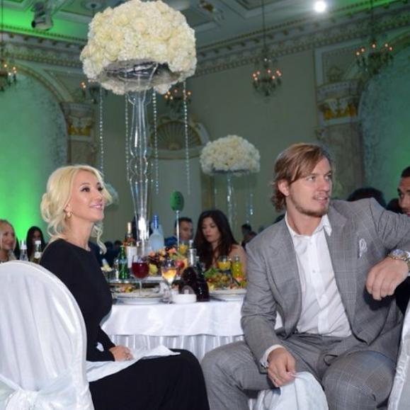 Лера Кудрявцева и Игорь Макаров стараются везде бывать вместе