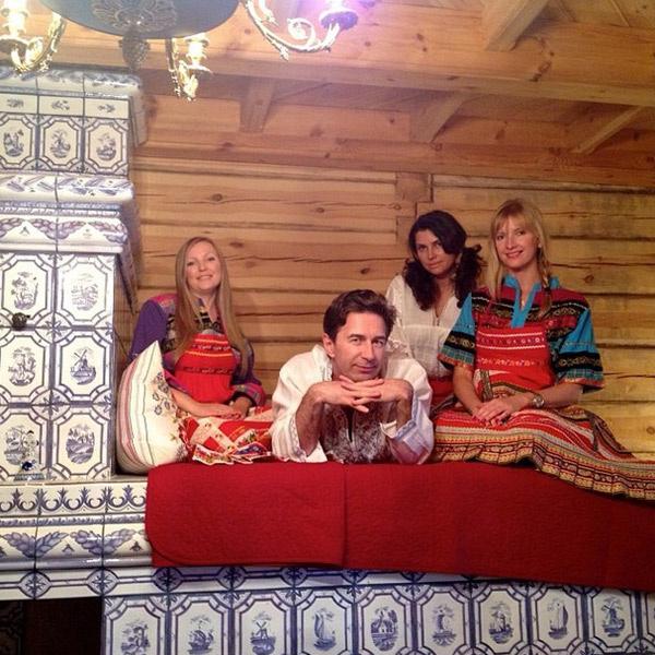Царствуй, лежа на печи! Виола и Валерий с друзьями