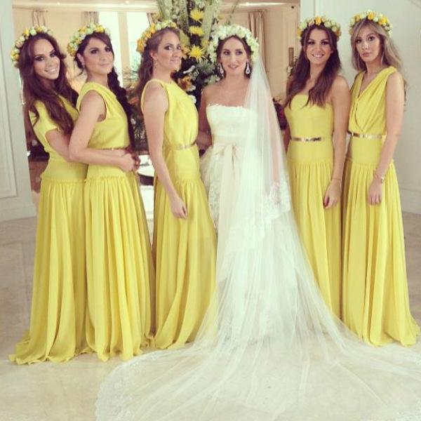Все подружки невесты облачились в наряды ярко желтого цвета от самого молодого дизайнера России - Киры Пластининой
