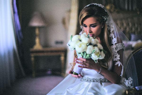 Букет из пионов для невесты сделала фирма «БукетБери»