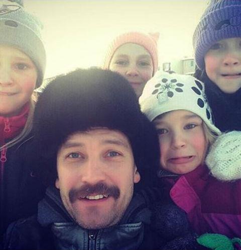 Владимир Кристовский с дочерьми