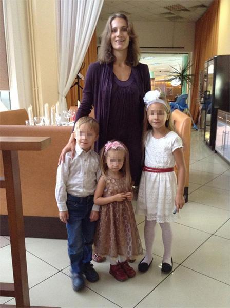 Надежда Семенюк с детьми