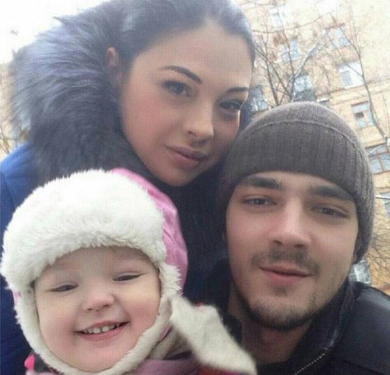 Инна с мужем Иваном и дочерью Машей