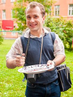 Актер Александр Якин