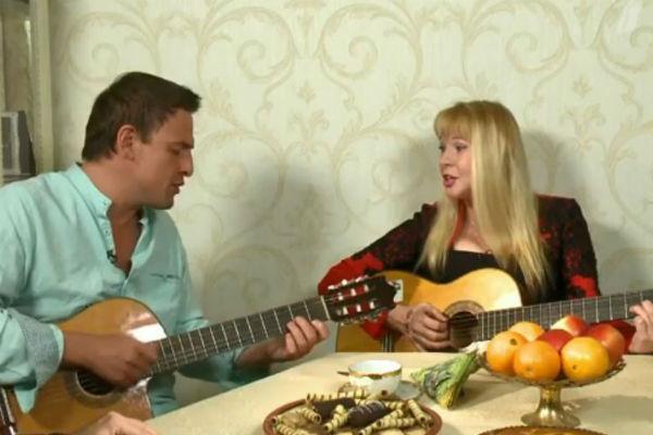 Елена и Олег репетируют новую песню