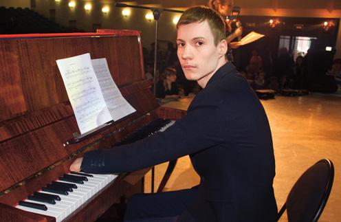 «Мне предлагали сделать операцию, но я отказался», – поделился Алексей