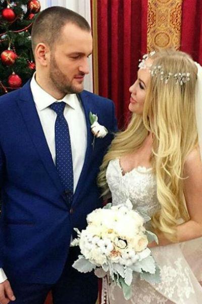 Юлия Щаулина и Алексей Самсонов в день свадьбы