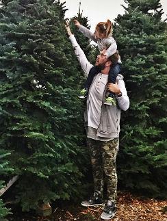 Максим Чернявский с дочерью Моникой