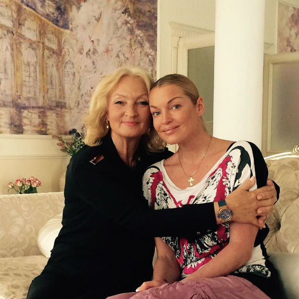Анастасия Волочкова с мамой Тамарой