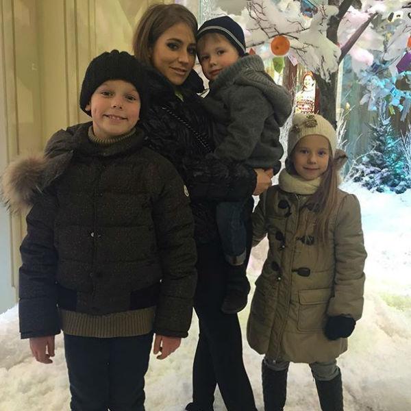 Юлия старается уделять своим детям максимум внимания