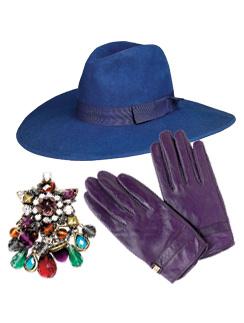 Шляпа Zara, 1990 руб.; Серьги Mango, 1999 руб.; Перчатки River Island, 960 руб.