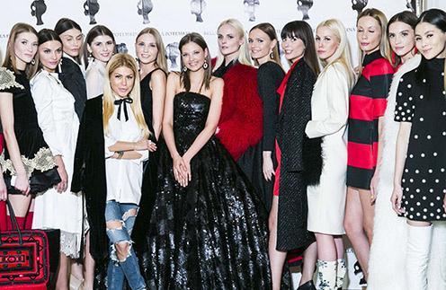 Бэлла Потемкина, Леся Кафельникова и другие модели на показе