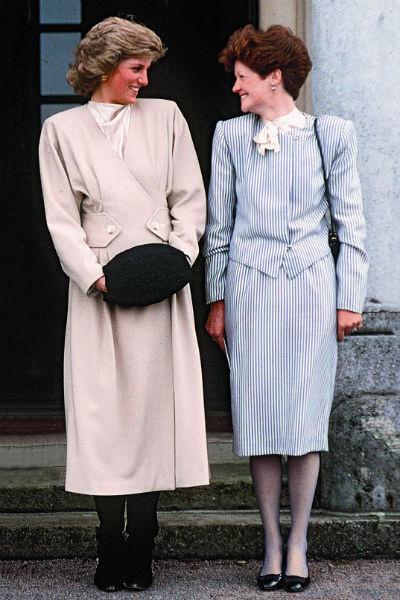 Старшая сестра должна была уничтожить архив, компрометирующий королевскую семью