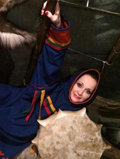 Ольга Кабо в национальном костюме народов Севера