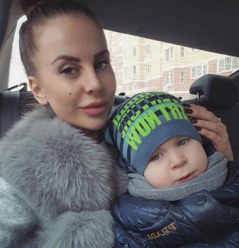 Ольга Ветер с сыном Мишей