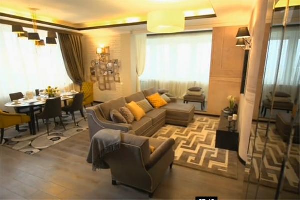 В гостиной Юлия Барановская будет проводить время вместе с детьми и принимать гостей