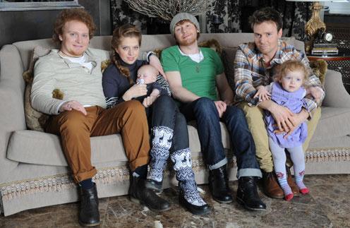 Семья Сафроновых (слева  направо): Сергей, его жена Маша и сын Володя,  Илья, Андрей и дочка Сергея Алина