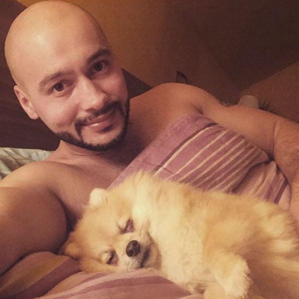 Черкасов считает, что готов к отцовству, что неоднократно доказывал, заботясь о любимом питомце