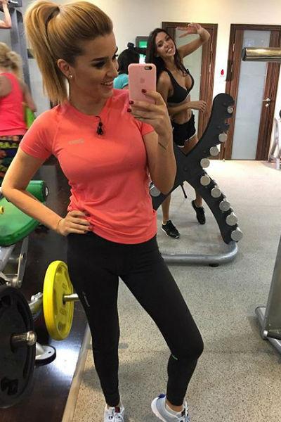 Ксения и Оксана теперь занимаются фитнесом вместе