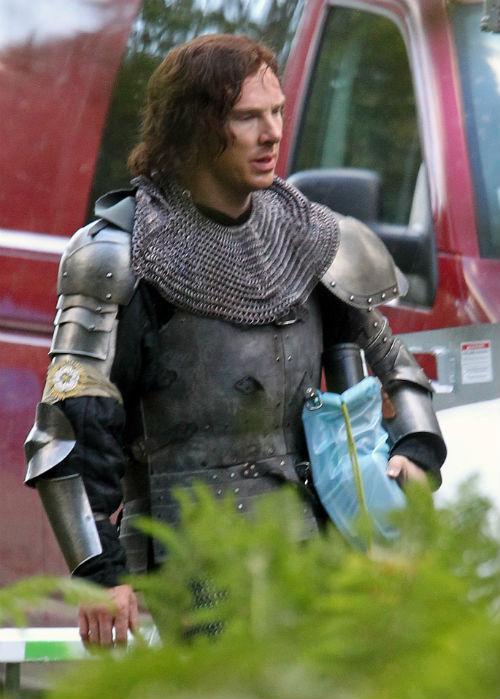 Бенедикт Камбербэтч на съемках сериала «Пустая корона: Война Роз»