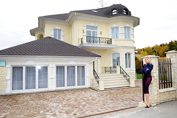 Площадь дома - 400 квадратных метров