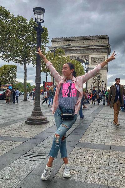 Ольга Бузова в Париже